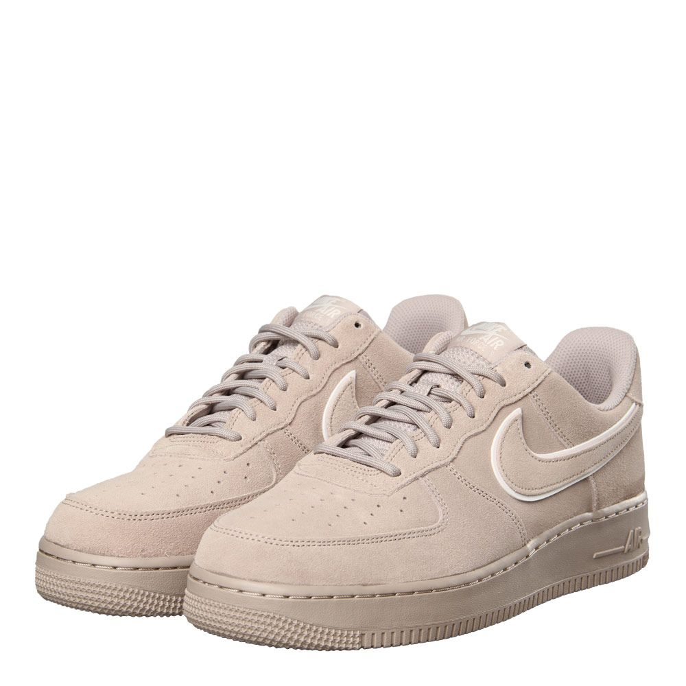 Nike Creates Two Premium Suede Options Of The Air Force 1