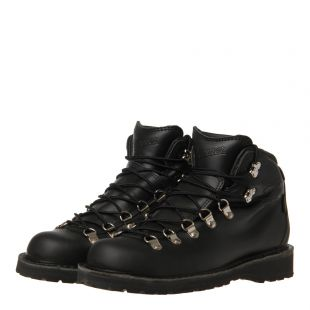 Mountain Pass Boots - Black