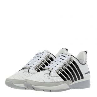 Trainers - White / Black