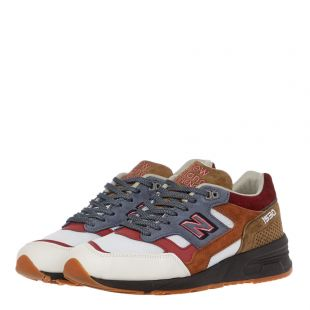 1530 Trainers – White / Blue / Red