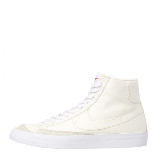 Nike Blazer Mid '77 Trainers CD8238 100 Sail / White